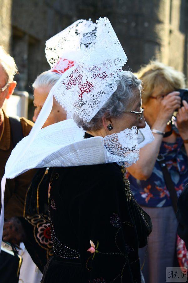 Quelques détails de costumes à la Troménie