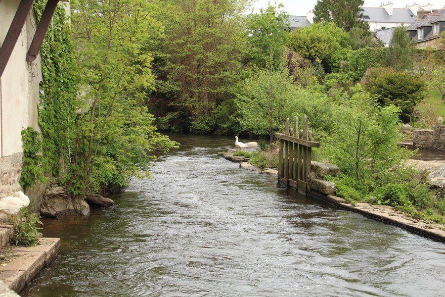 Pont-Aven en Gris