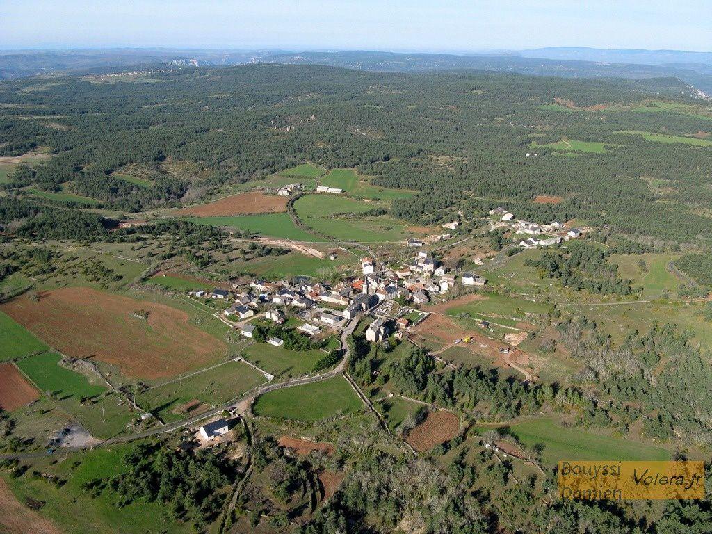 Le village de  Veyreau sur le Causse Noir &quot&#x3B;Terre de légendes&quot&#x3B;