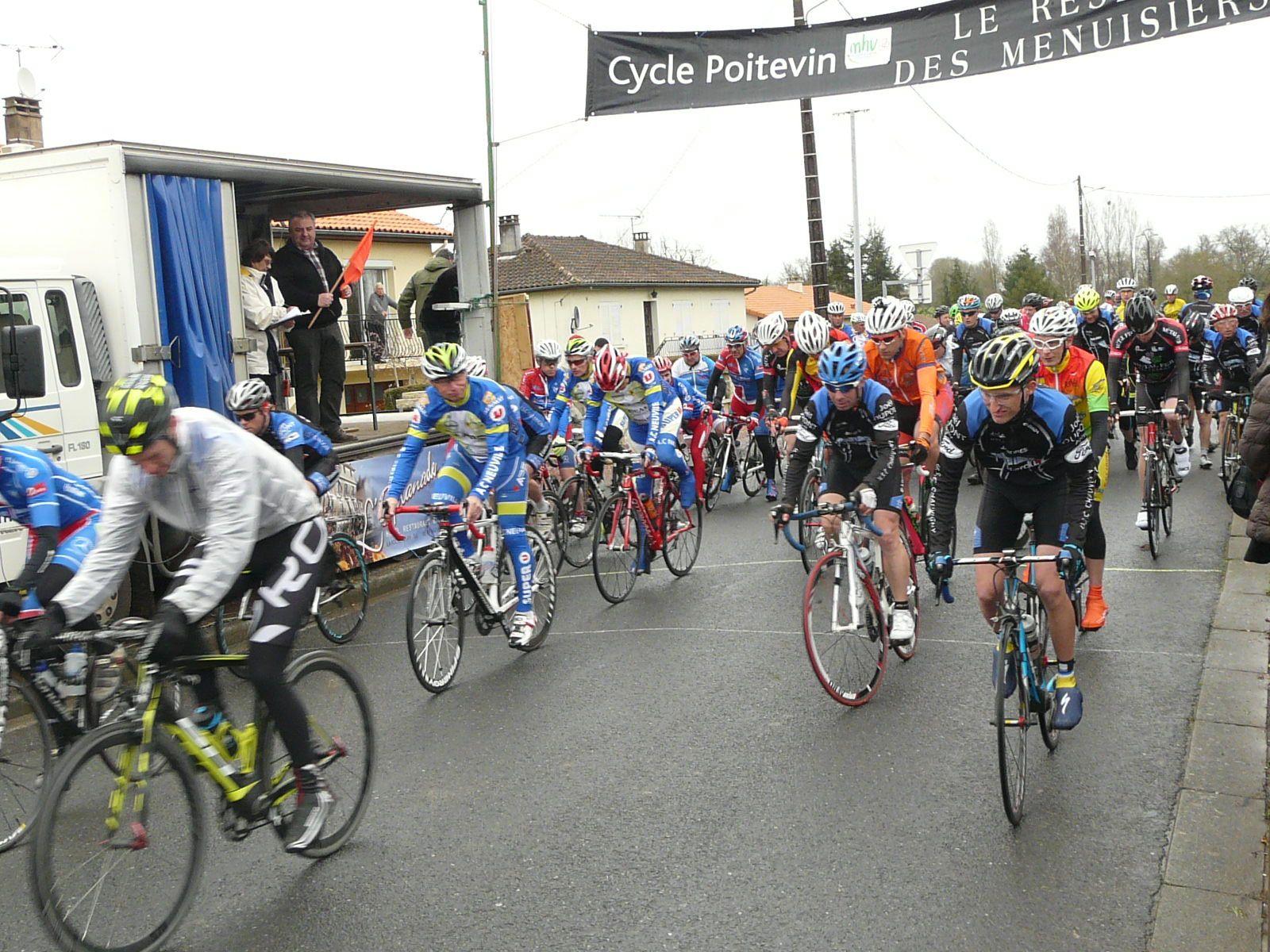 Cyclosport Pressac 2015 : 95 participants  dans le vent à Pressac