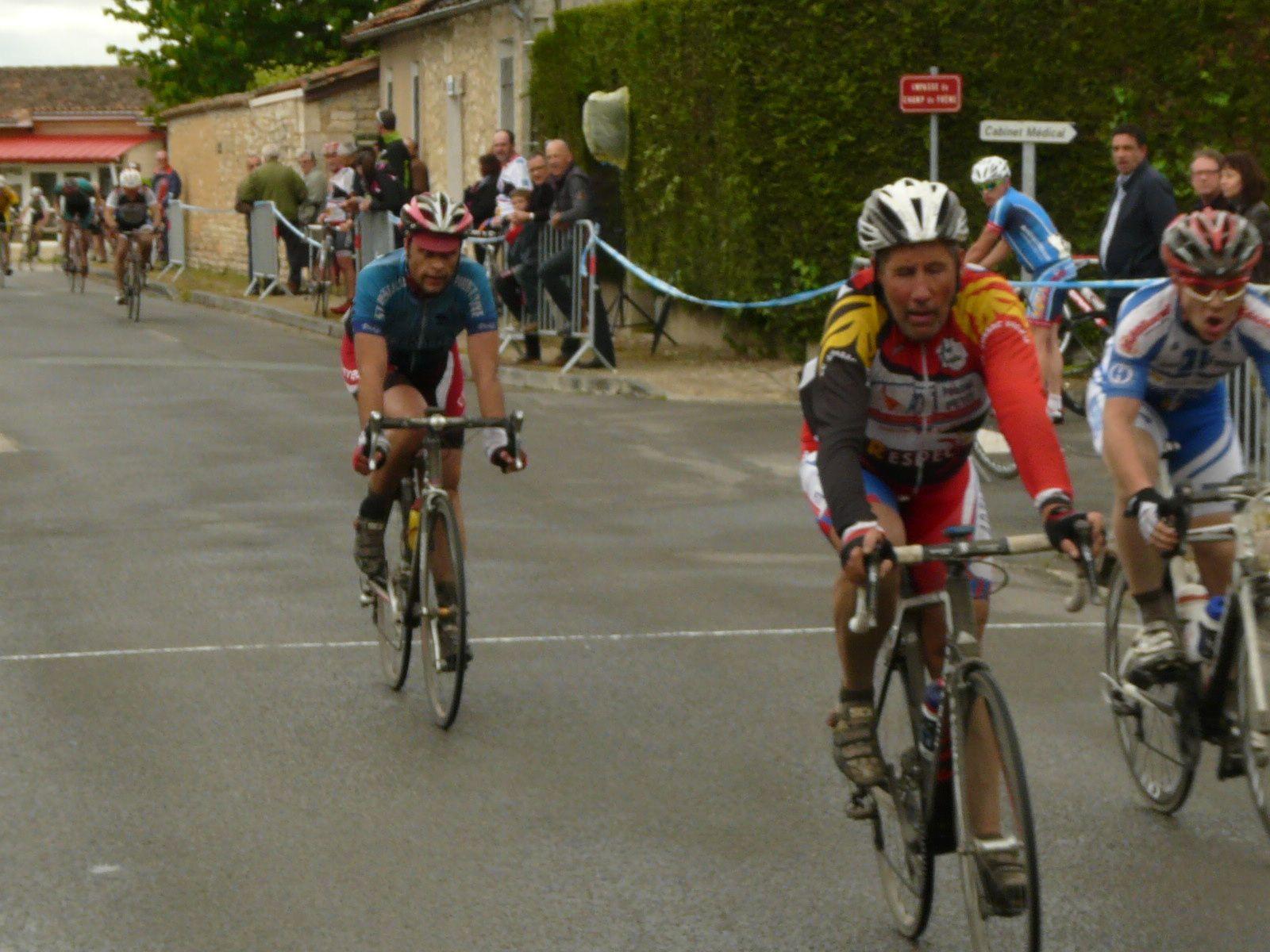 160 coureurs à Balzac sur une route parfois humide