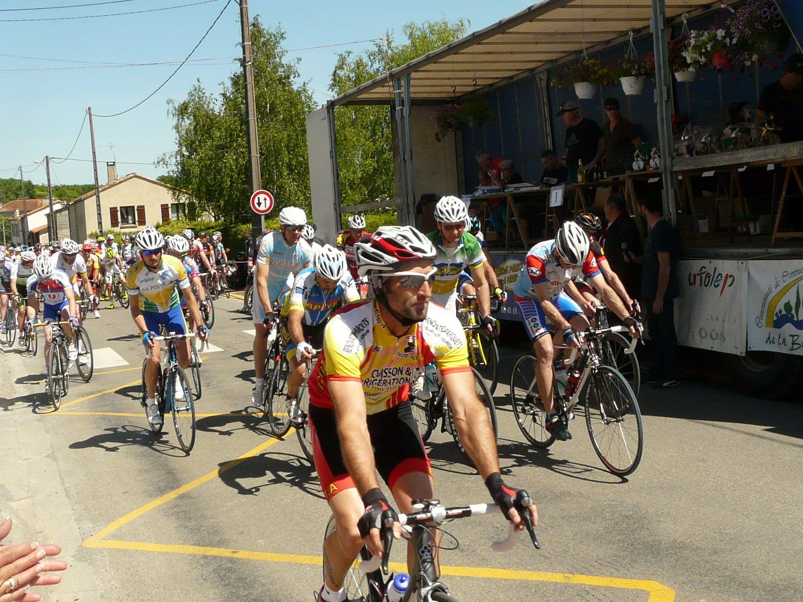 Henri 2e au cyclosport d'Aussac Vadalle