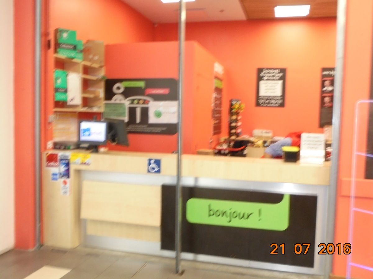 carrefour service postal le quartier de borderouge toulouse. Black Bedroom Furniture Sets. Home Design Ideas