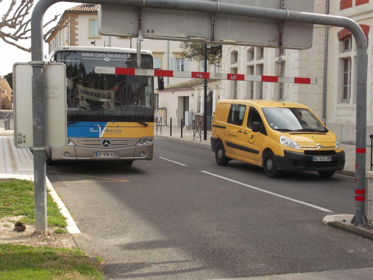 image publiée le 3 avril faisant remarquer la gêne de cet emplacement de bus.