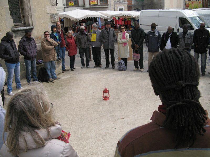 Etampes : cercle de silence du 27 avril 2013