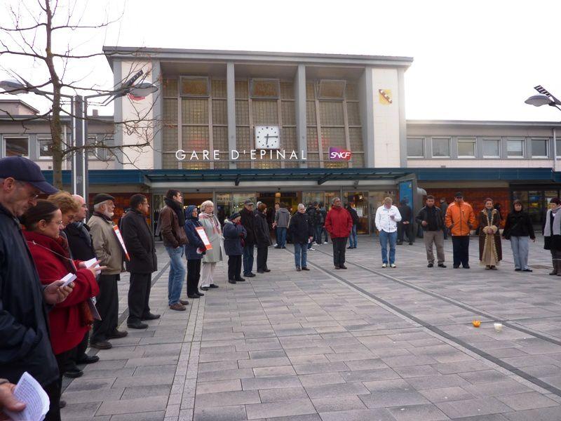 Cercles de silence à Gare d'Épinal et Mairie de St-Dié