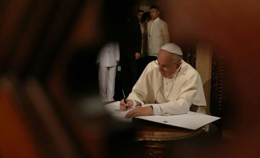 Après Paris, le Pape François exhorte les Chrétiens à se tenir prêt à l'arrivée d'événements apocalyptiques