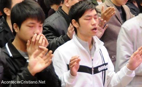 Chine : Malgré la répression des milliers de jeunes donnent leurs vies à Christ