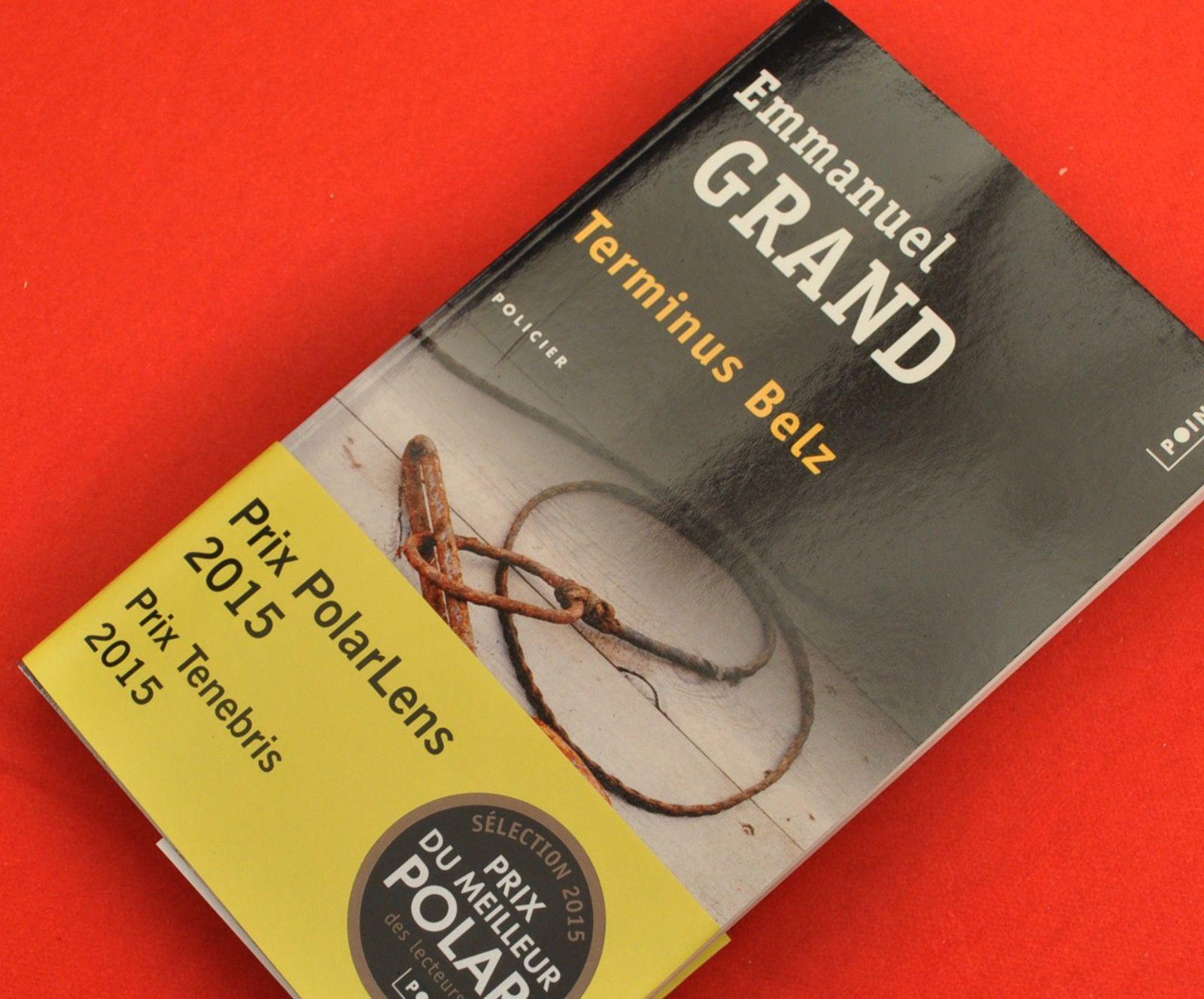 Le bandeau annonçant les prix que s'est mérité le roman !