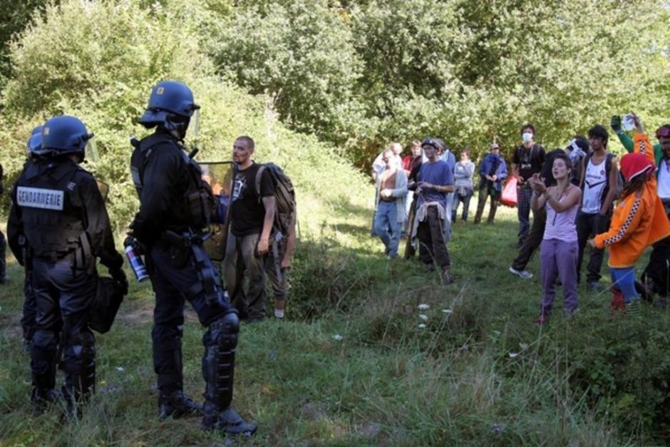 Sivens : le projet de barrage ne mérite pas tant de violences (PCF)
