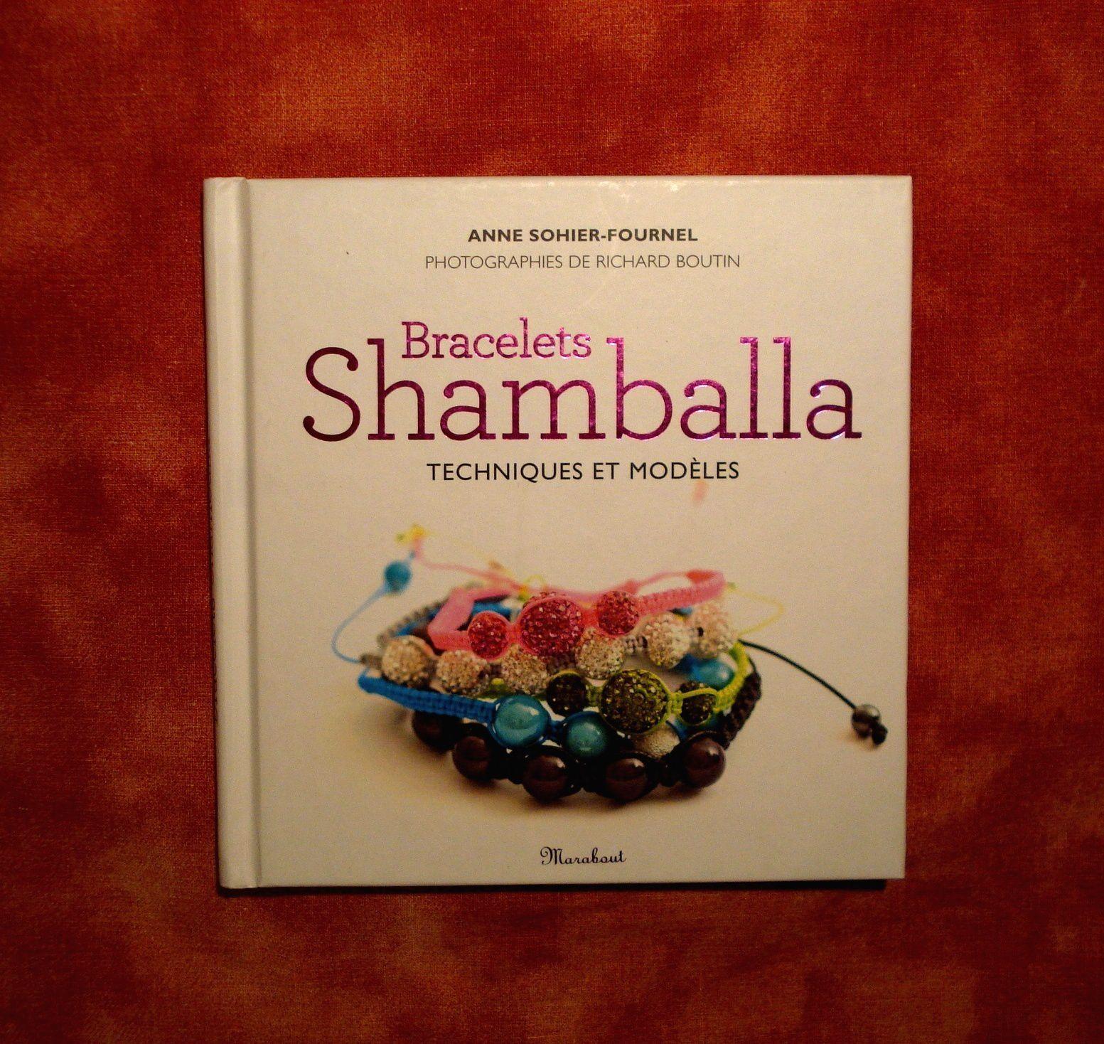 "Petit livre Marabout ""Bracelets Shamballa""."