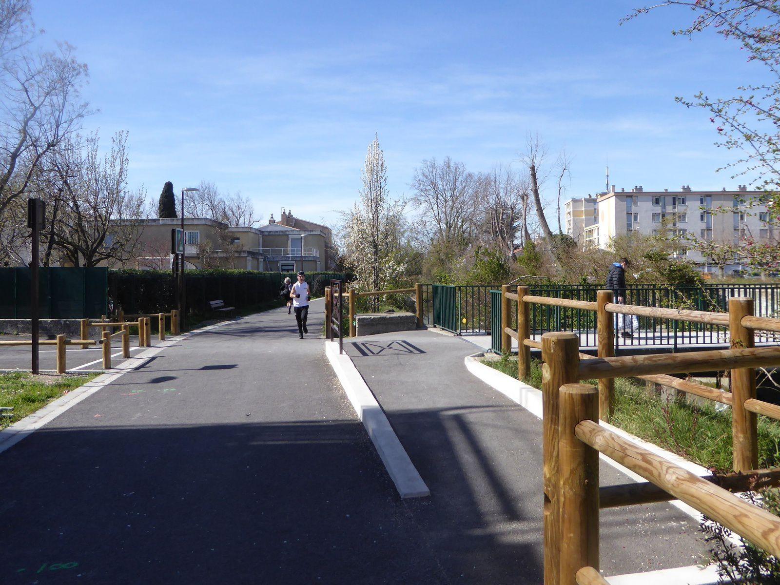 ViaRhôna - le chainon manquant : Pont St Esprit - La Mer
