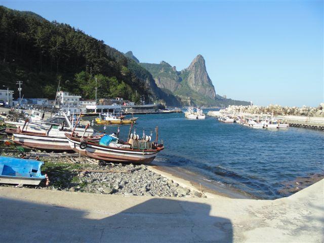 Des photos prises au cours de mon séjour sur l'île d'Ulleung-do, en mer du japon, au large de la corée du sud.