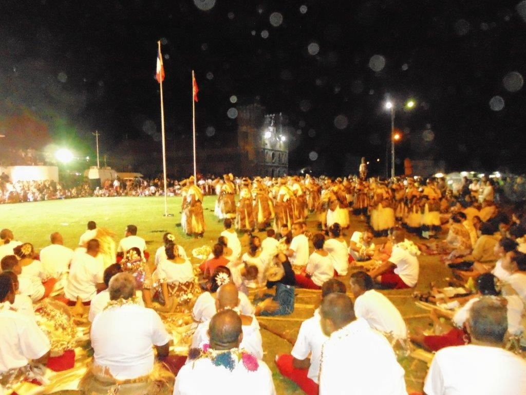 13 et 14 juillet 2014, à Mata-utu ( Wallis ) , devant le Palais Royal