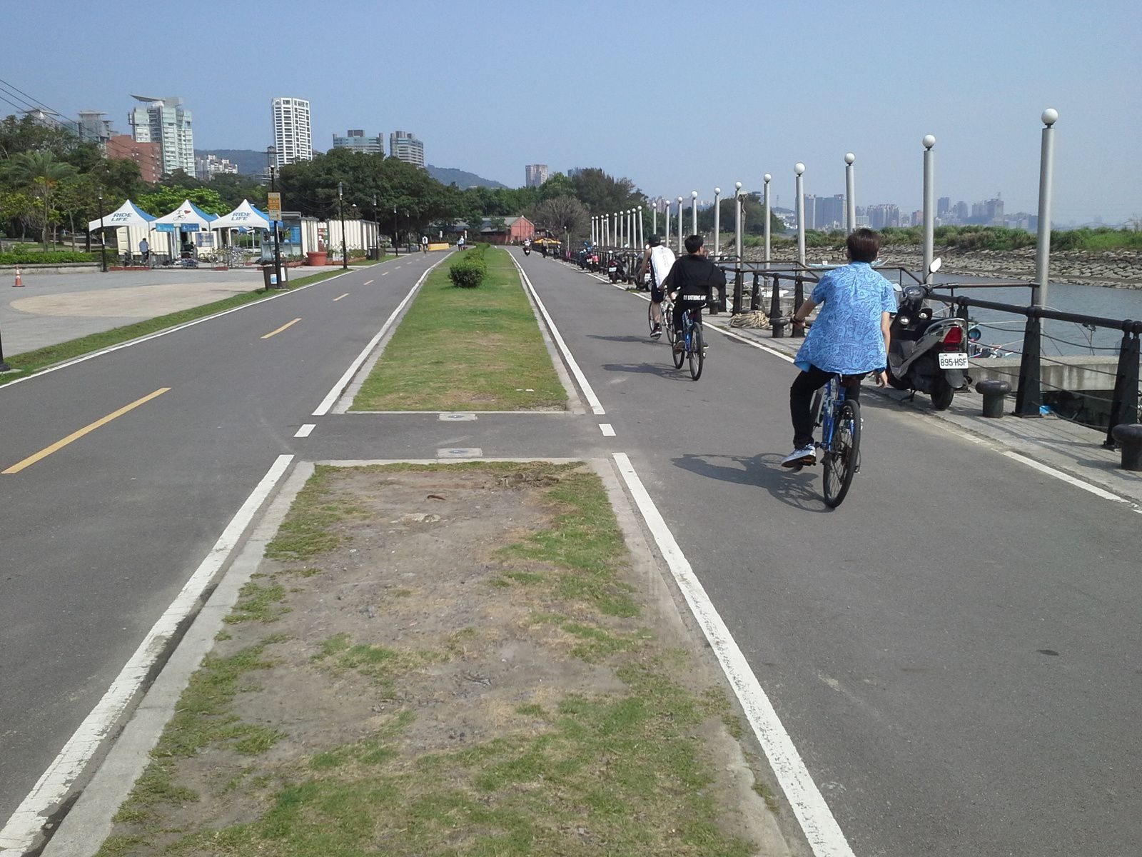 piste cyclable à  Tamsui