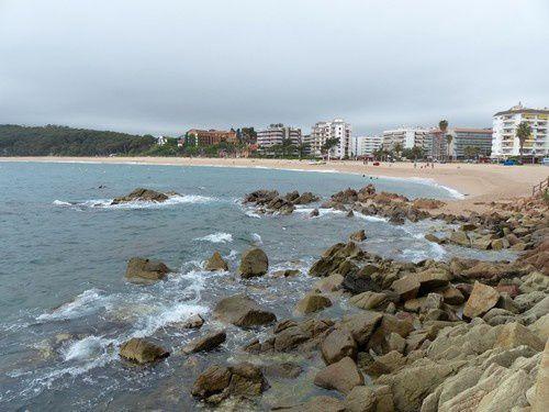 Au bout de la plage les rochers sont rois !