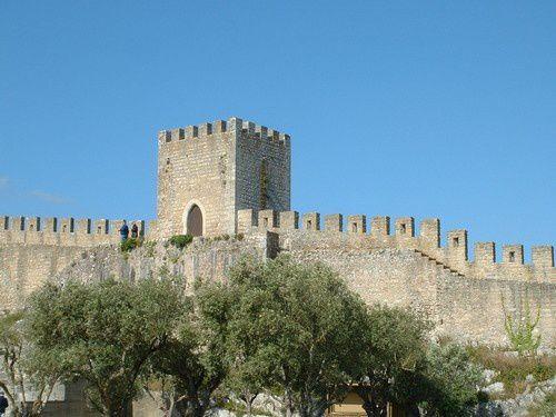 Visite de Obidos , la ville portugaise fortifiée.