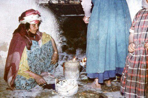 A la recherche de l'eau dans le désert algérien.