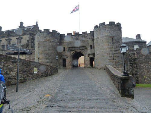 Le château de Stirling sous la pluie.