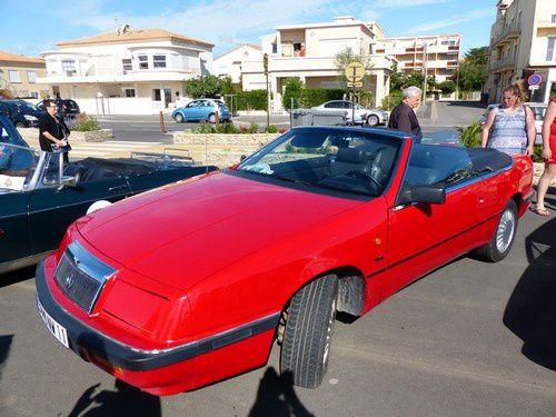 Séquence nostalgie : les vieilles voitures sont à Narbonne Plage..