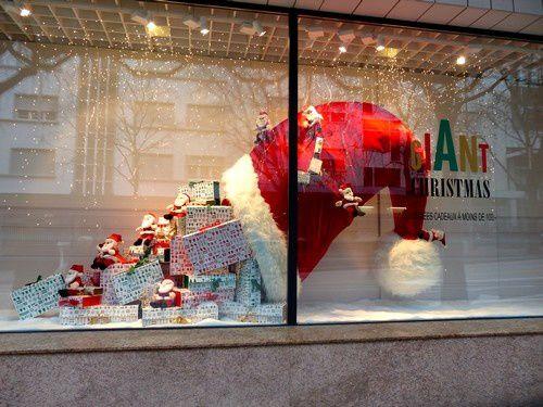 Noël dans les vitrines suisses