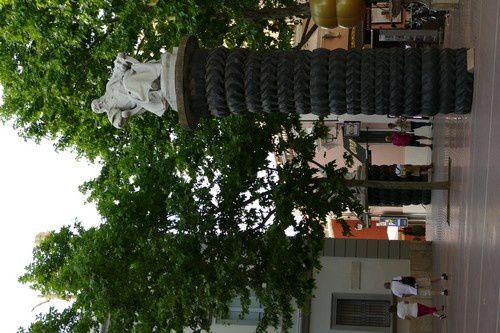 Encore quelques monuments bizarres dans Figueras