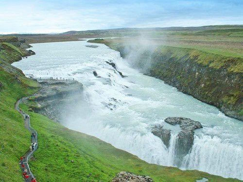 En Islande, de la vallée froide au plateau désertique.