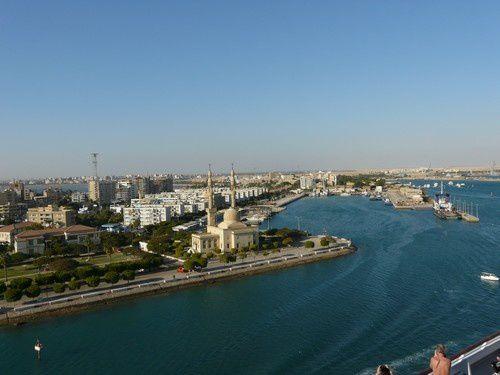 Deux jours sur le canal de Suez  ( 2 )