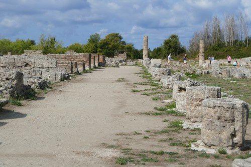 Bond dans l'Antiquité sous le soleil de Paestum