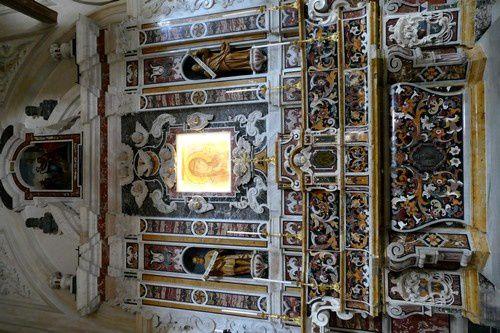 Des chapelles latérales