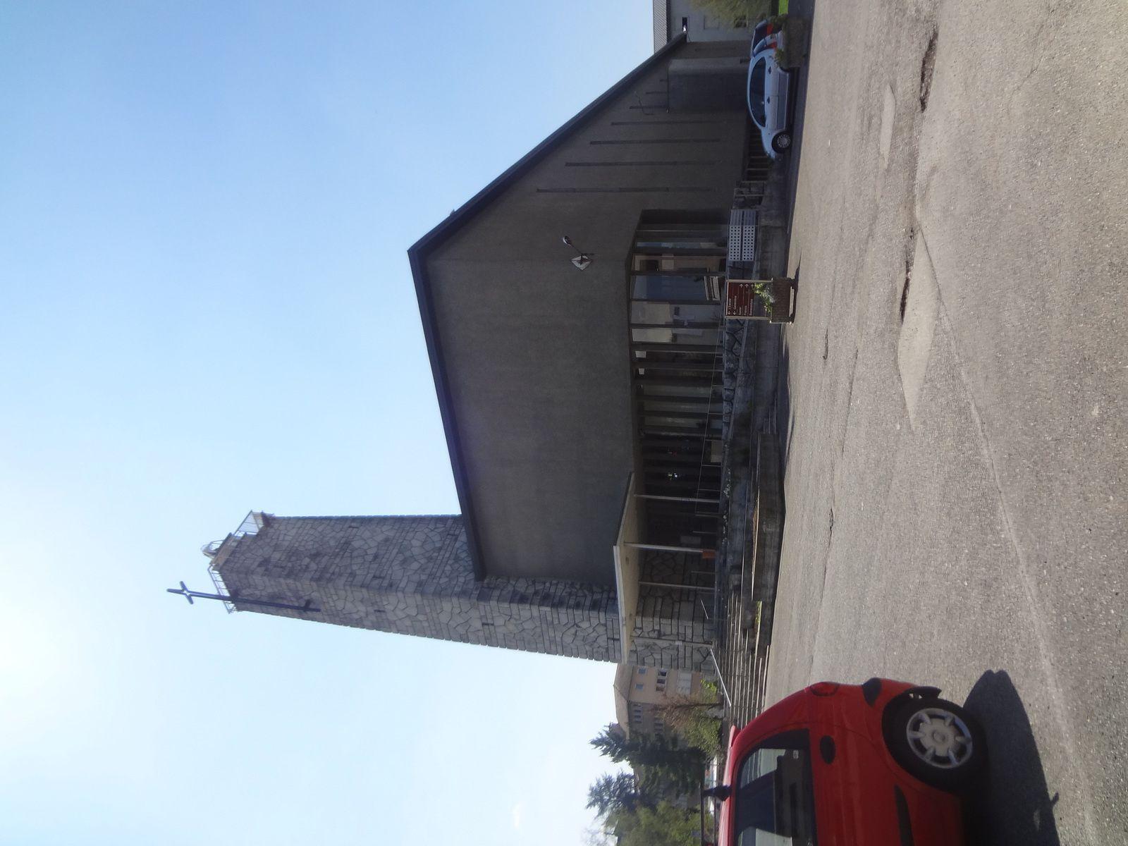 Eglise en béton - &quot&#x3B;Eglise Sainte Geneviève des Bressis&quot&#x3B;