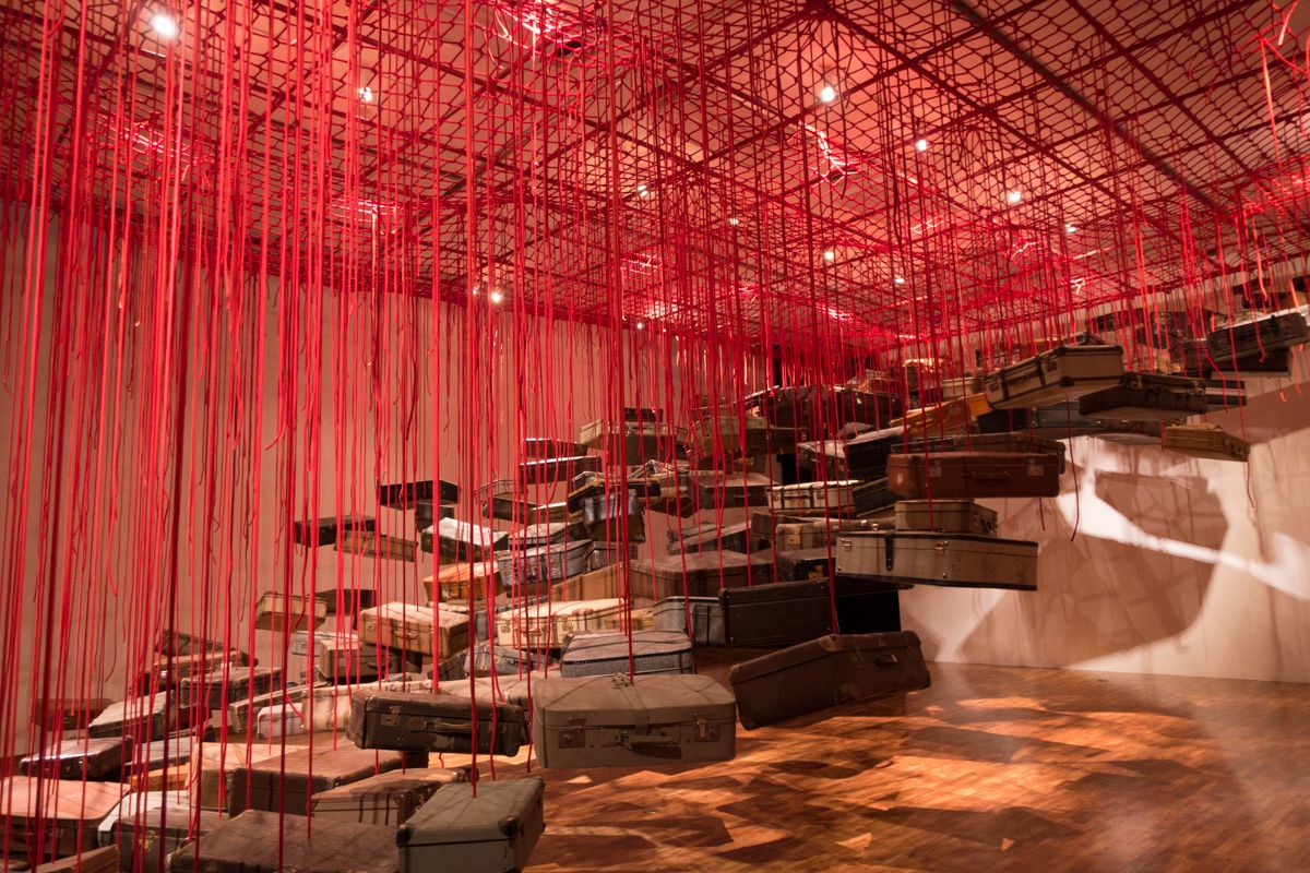 Chiharu Shiota, Searching for a Destination, 2014.