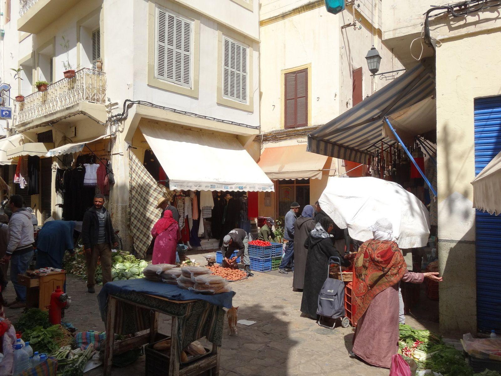 Grand soleil dans la Médina de Tanger aujourd'hui (14 avril)