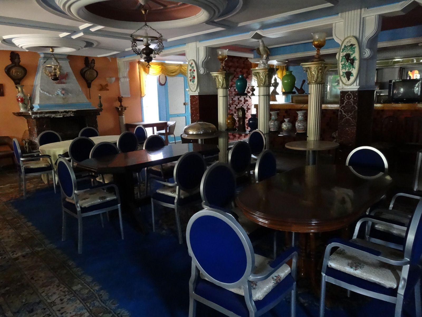 Les couleurs de Chez ABDOU à Tanger (extérieur et intérieur) 5 photos