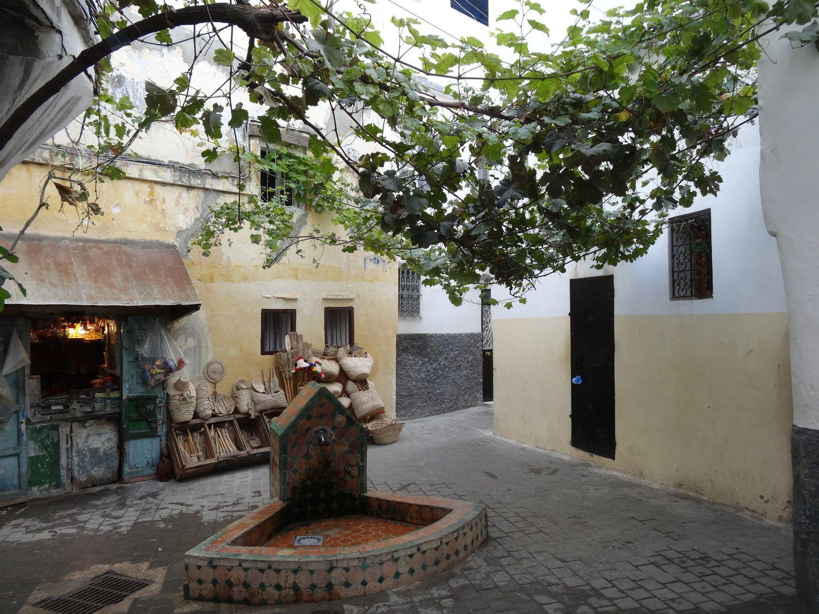 Placette à la fontaine de la Kasbah de Tanger