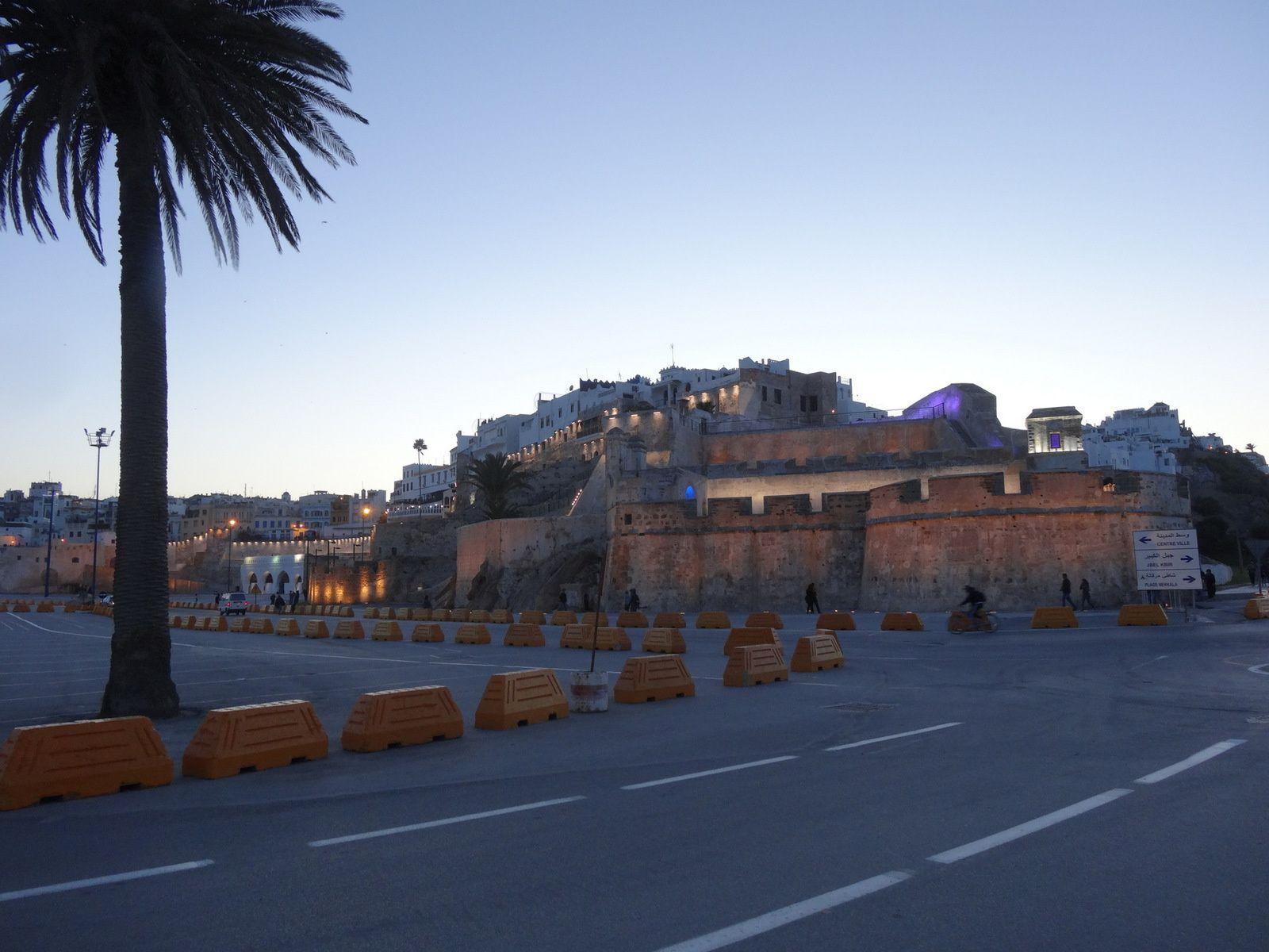 La muraille de la Médina à la tombée du jour