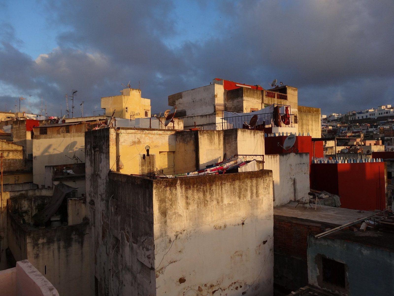 La Médina de Tanger dans la lumière du petit matin (4 photos à cliquer)