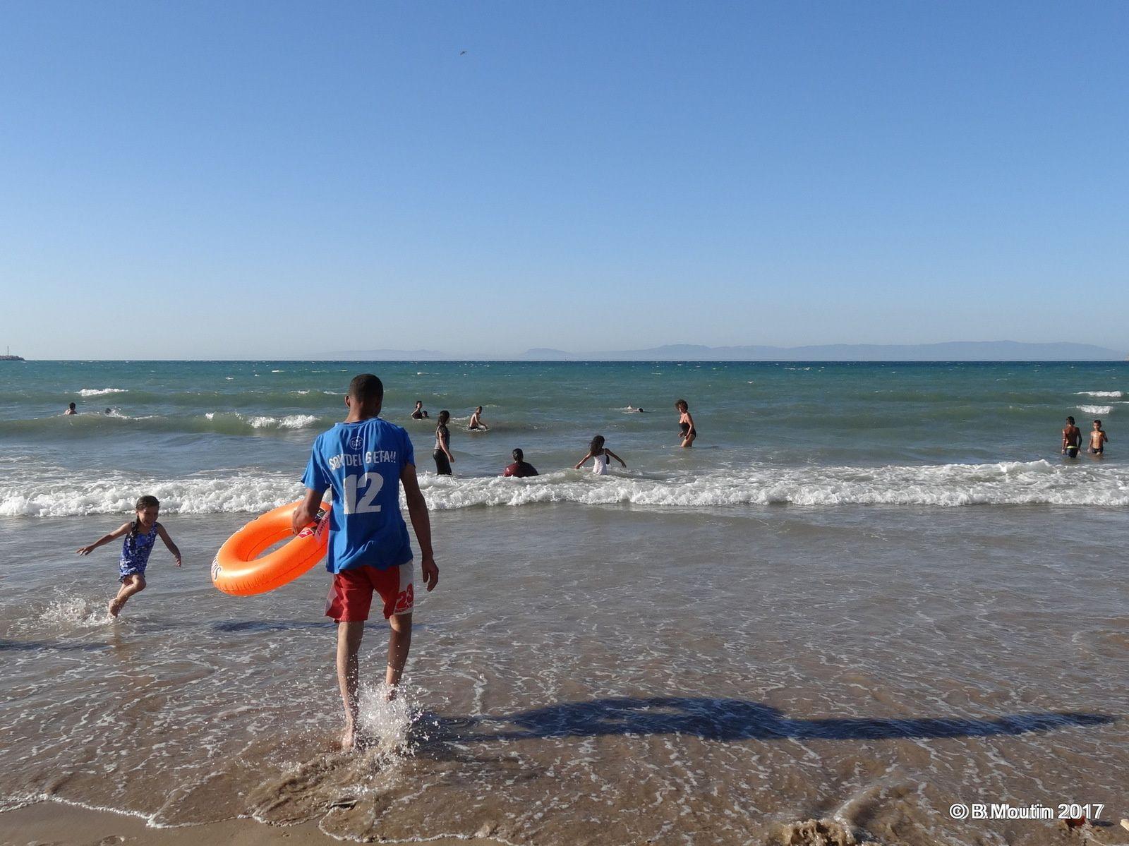 La vie sur la Plage de Tanger ville (6 photos à cliquer)
