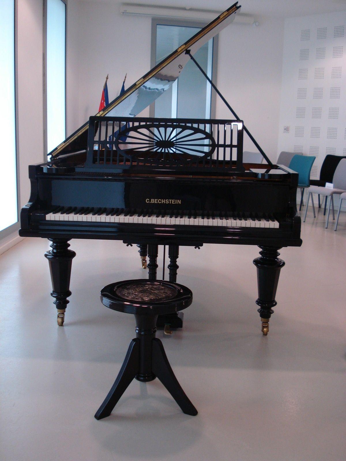 Le piano centenaire ayant appartenu à Robert Schuman - Crédits Conseil Général de la Moselle