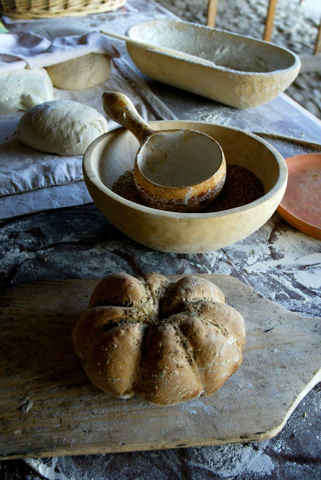 Stage de boulangerie antique au  au Parc Archéologique Européen de Bliesbruck-Reinheim - Crédits : JC Kanny - Conseil Général de la Moselle