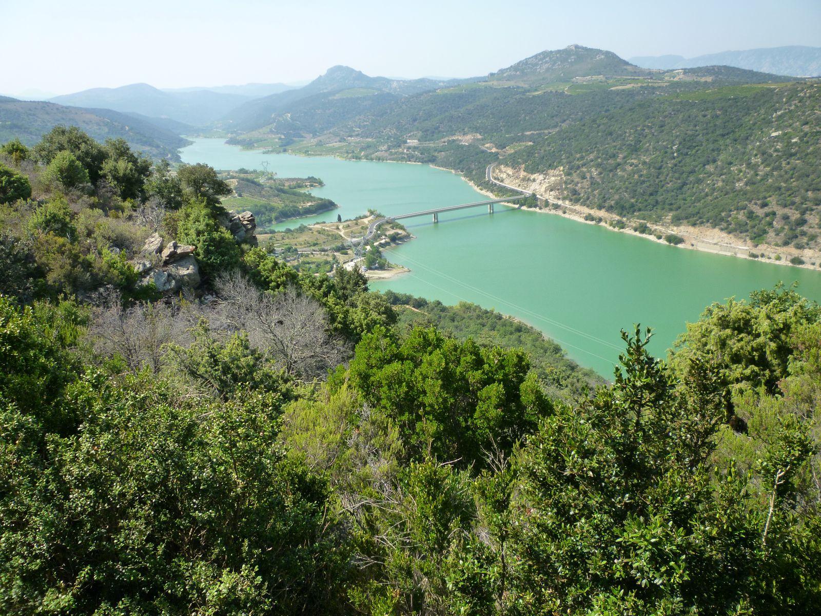 Le lac de Caramany (Pyrénées-Orientales) :