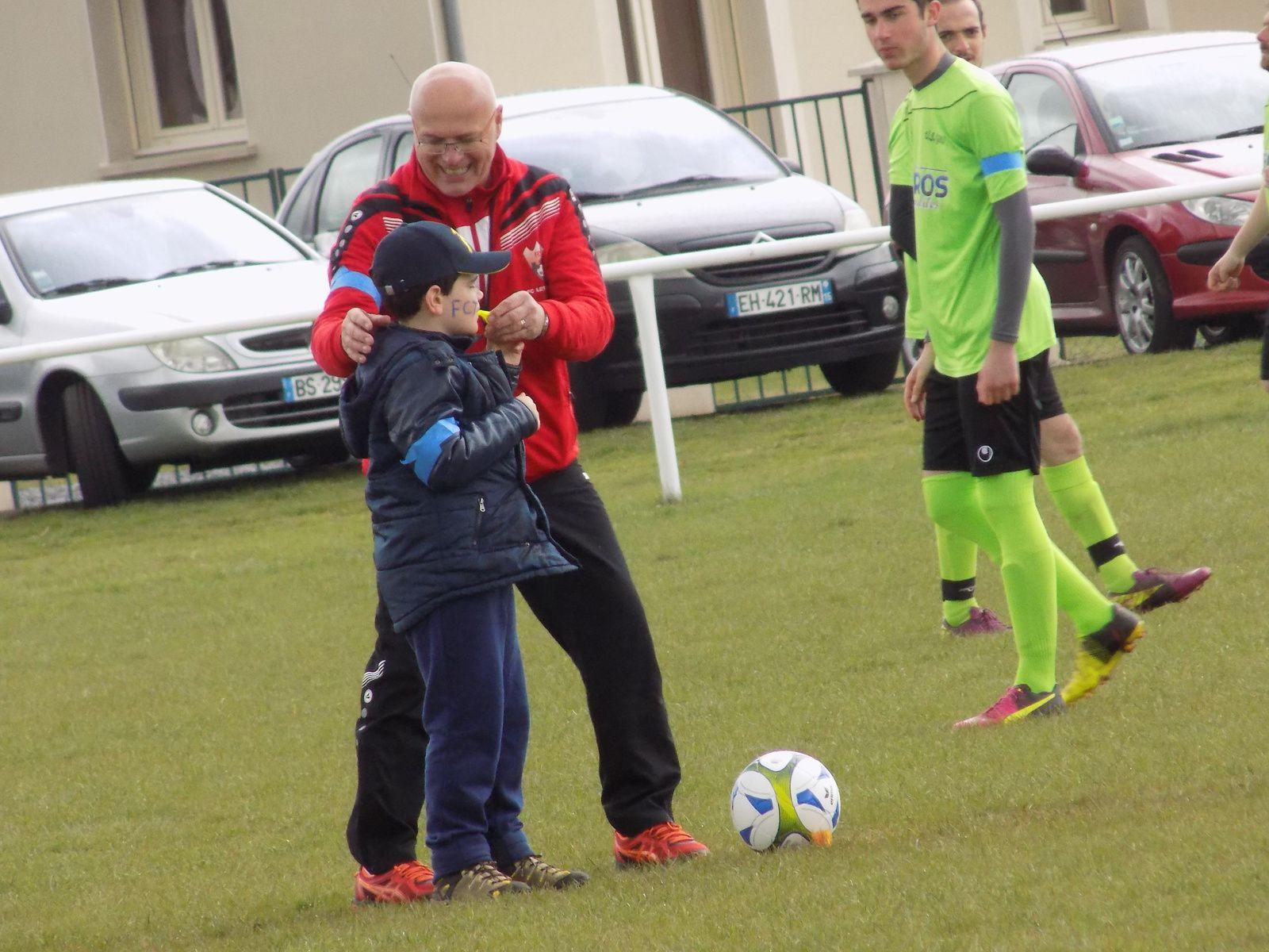 2 avril 2017 : sensibilisation à l'autisme organisée par le club de foot du village. MERCI A TOUS