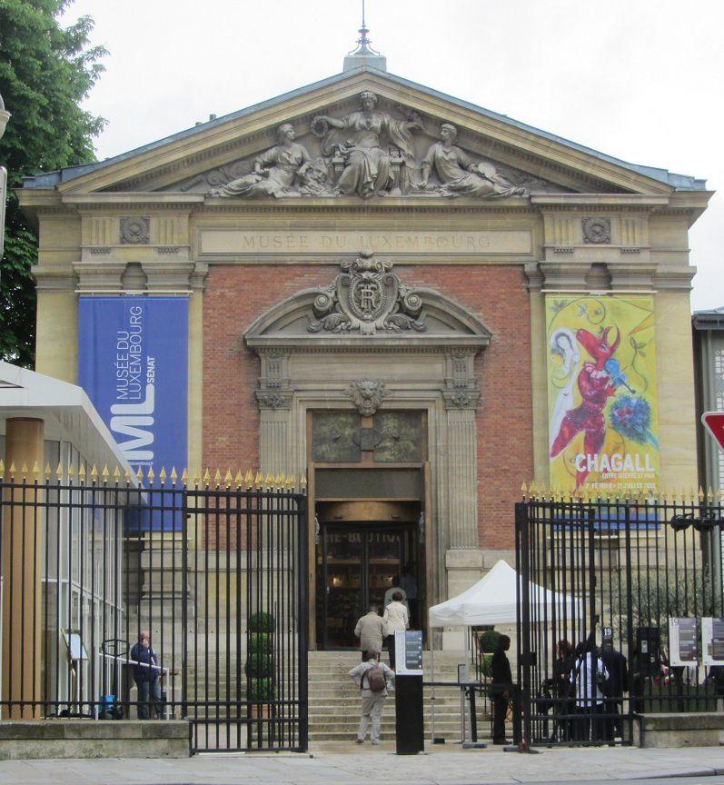 Mais j'étais ravie de découvrir qu'au musée, il y avait une exposition sur Marc Chagall. Quelle chance j'ai eu de pouvoir y entrer. Vu le monde qui faisait la file avec un pass, et moi qui n'avait pas du tout programmé cette visite