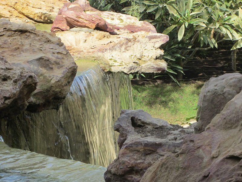 Le son de l'eau, c'est bien connu a un pouvoir lénifiant.