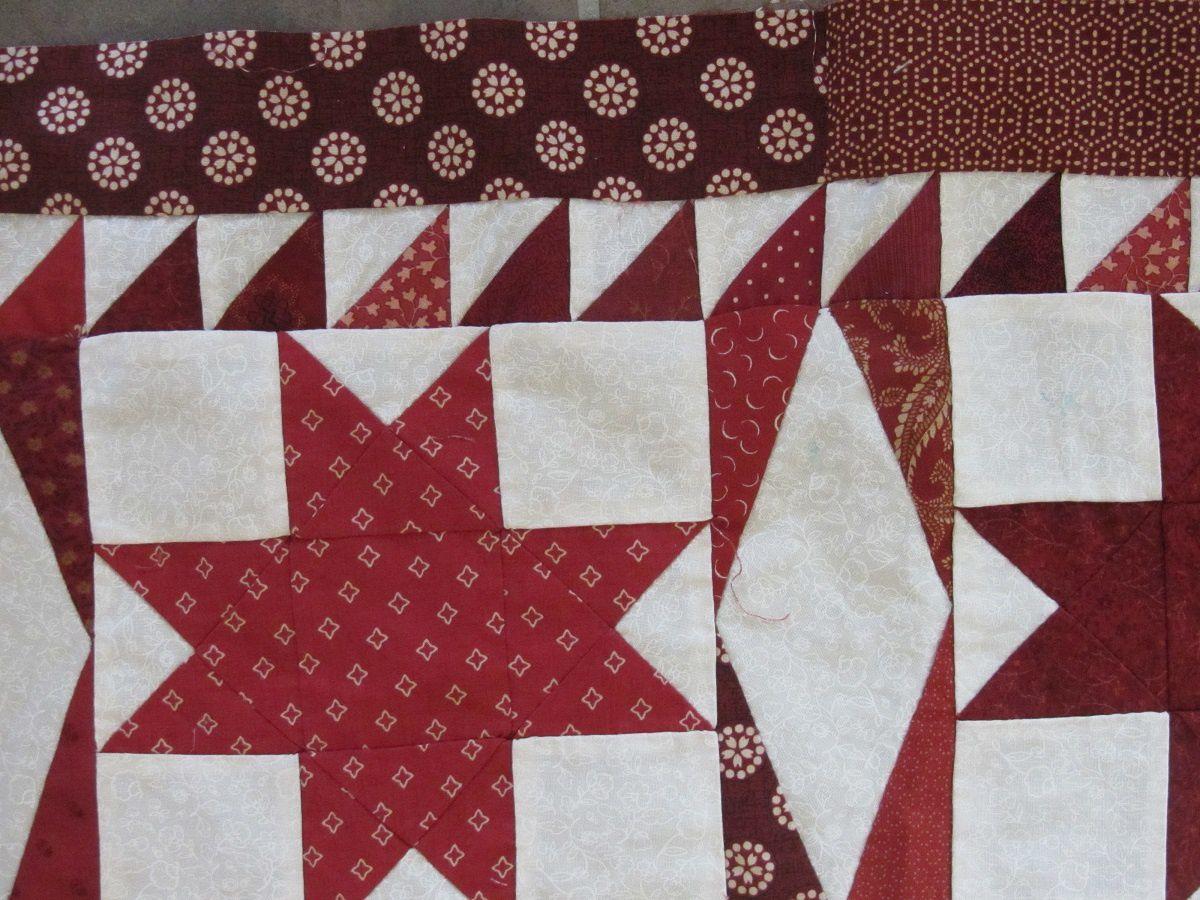 Et la deuxiéme bordure composée de différentes bandes de tissus coordonnés.
