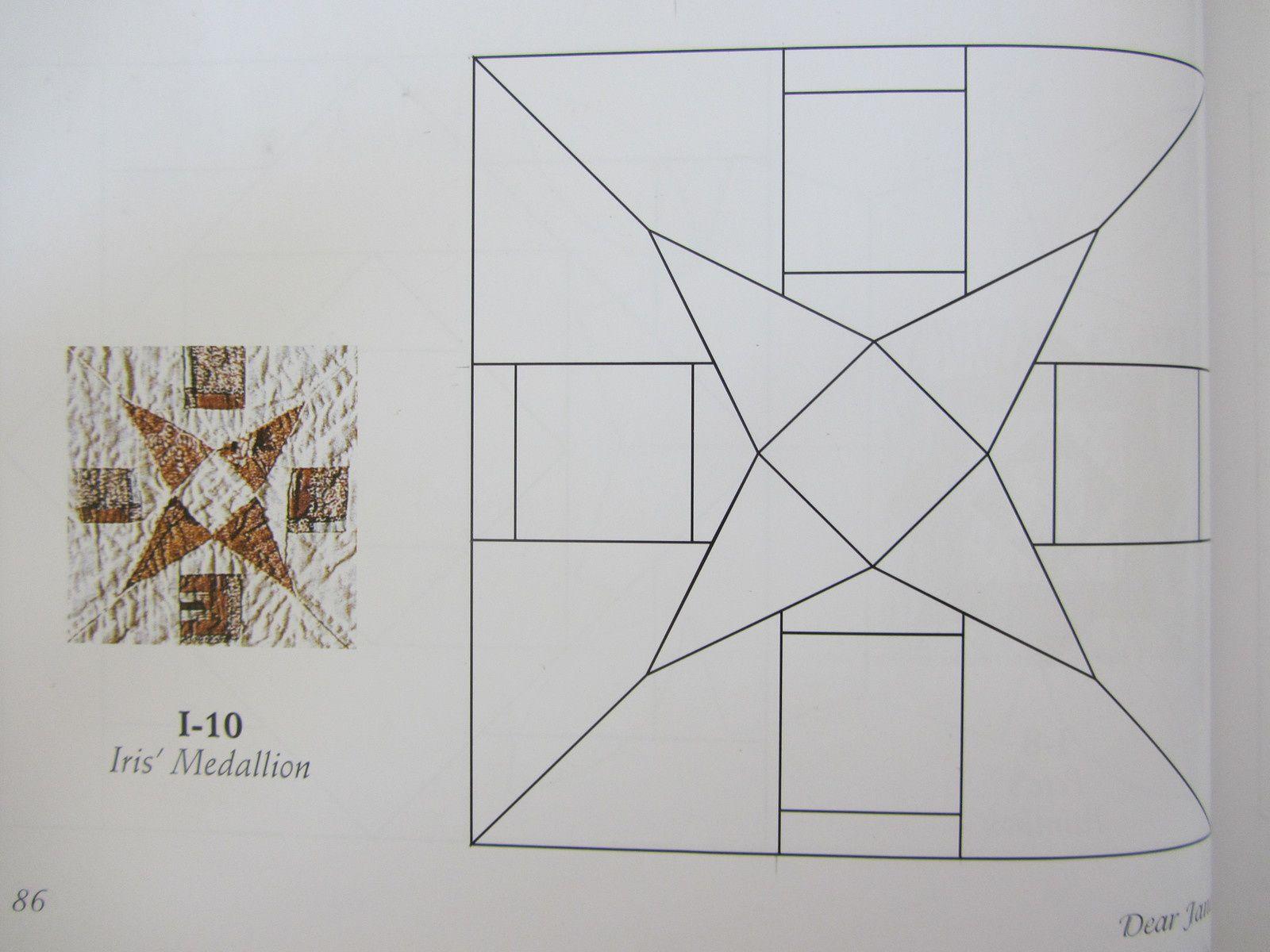 I10 Iris's medaillion