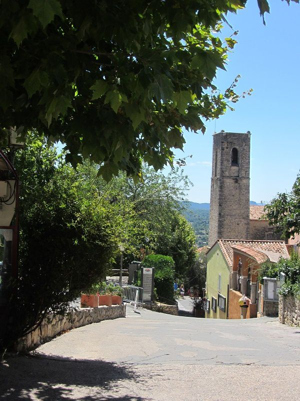 C'est bien le cas de Fayence, entre mer et montagne, perché aux portes de la Provence.