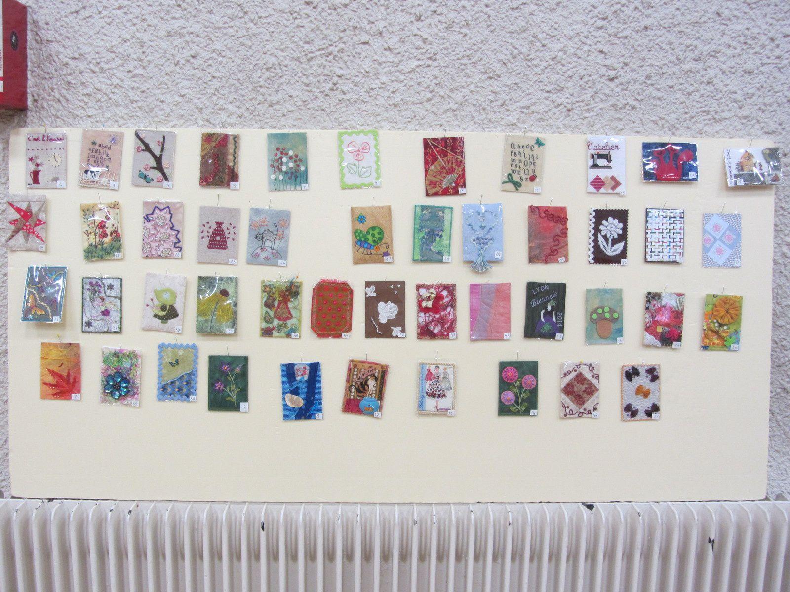 Pour de la journée de l'amitié, nous devions réaliser un carte textile, aux dimensions bien établies.