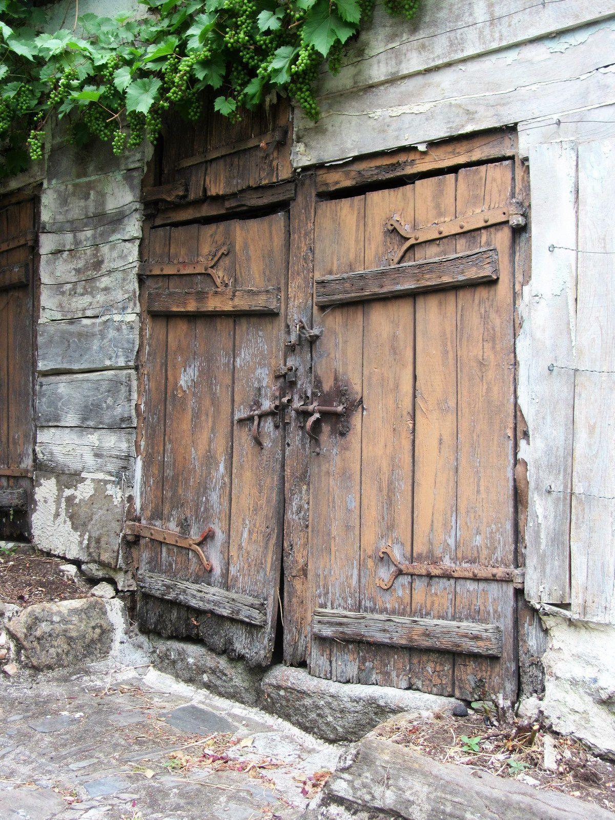 Les portes de Ségur le château