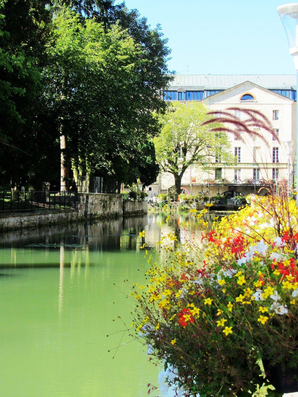 Depuis 1992, Dole fait partie des Villes et pays d'art et d'histoire,